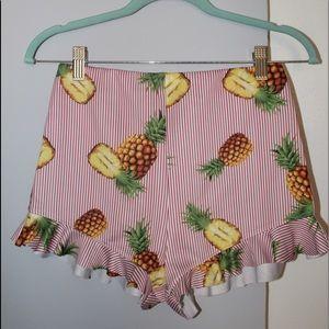 Pants - Pineapple striped shorts
